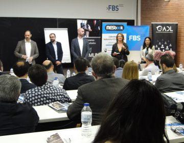 """Gran éxito de convocatoria en el Desayuno Profesional """"Industria 4.0 y Mejora Continua.  Más de 70 personas asistieron de todos los sectores[:]"""