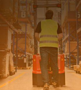 Operario de Almacén: Trabajo y Seguridad