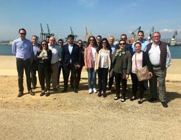 Hoy hemos tenido el placer de visitar un grupo de asociados de ADL la Autoridad Portuaria de Sagunto de la mano de D. Juan Soucase. Administrador de la Aduana de Sagunto[:]