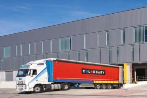 Colorbaby elige la versátil flota de Crown para su centro de distribución nacional cerca de Alicante, España